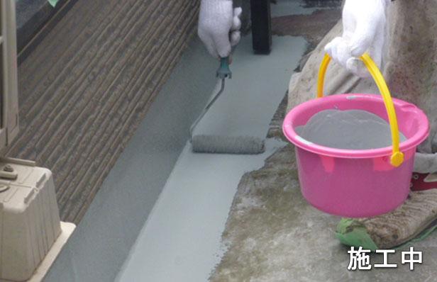 ベランダ向けFRP防水中塗り