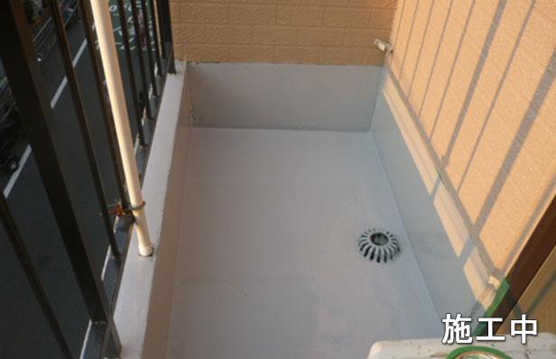 品川区マンション防水工事ウレタン材一層目